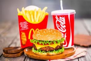McDonalds-food-on-board-e1464992327864