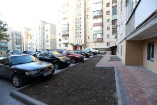 vul_-monastirskogo-42-1