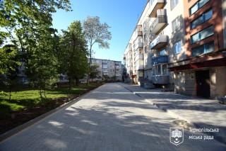 remont-dvoru-na-vul_-o_dovgenka-7-u-ternopoli-traven-2020r-2