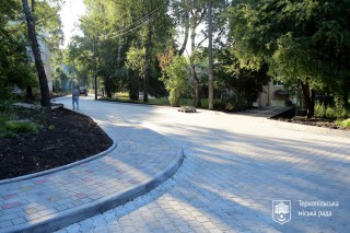 remont-migkvartalnogo-proizdu-u-ternopoli-na-prosp-stepana-banderi-serpen-2020-1-14-08-2020