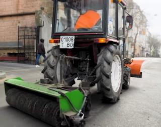 pidmitannya-traktornimi-shchitkami-2020